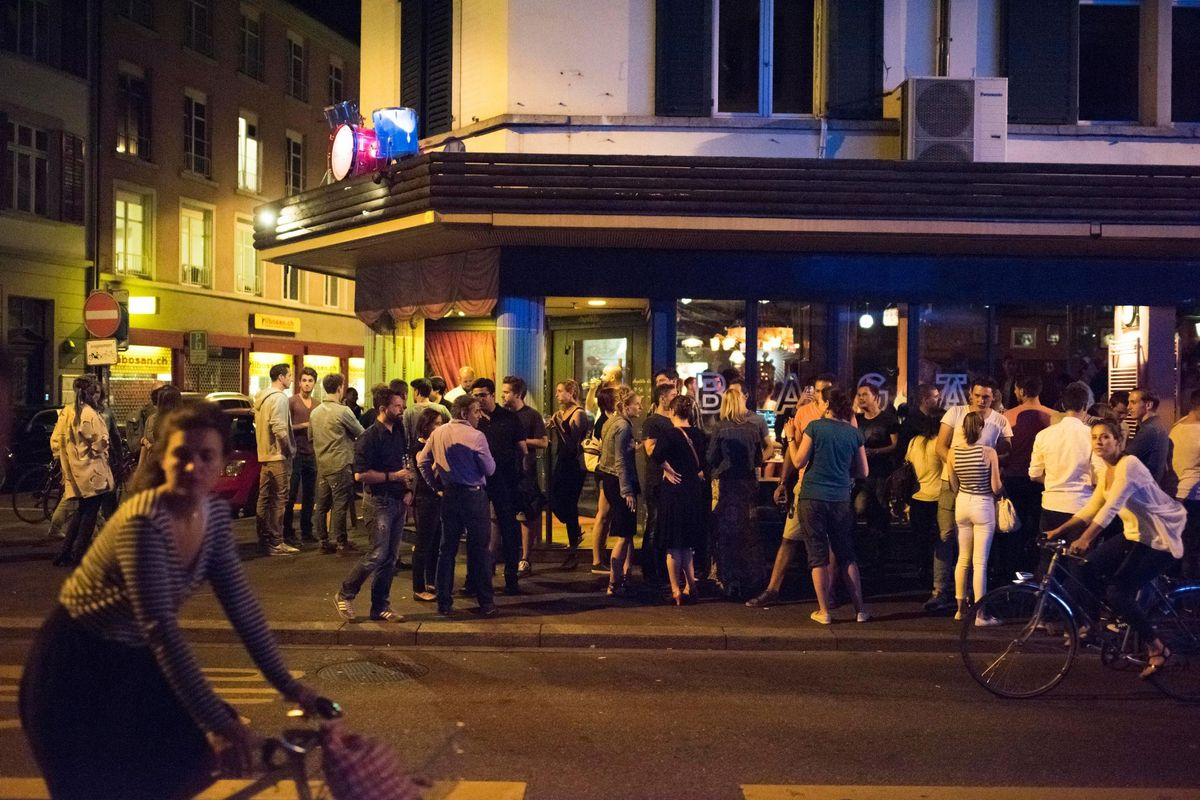 Covid-19 Polizeistunde =  Städte- und Unternehmerfeindlich - ein Argumentarium