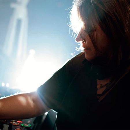 DJ Manon